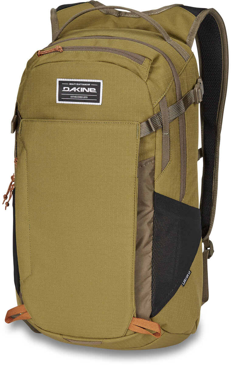 57f0717ef2303 Dakine Canyon 20L Backpack Men pine trees pet